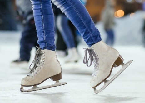 ice-skate-900x600